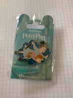 Pin's Disney Pins Disney - Collection Peter Pan Neufs Jean Et Michel - Disney