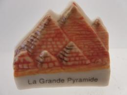 FEVE - MERVEILLES DU MONDE  LA GRANDE PYRAMIDE - Histoire
