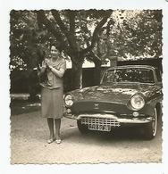 Photographie Auto Voiture Et Femme Romans Sur Isère Drome 26  Photo 8,6x8,5cm Env - Cars
