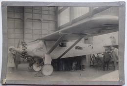 "Spirit Of St-Louis ""Inspection Dans Un Entrepot"" -  Photo Intran-Match - Aviation"