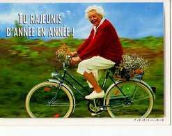MAURITIU C'est La Vie , Femme Agee A Bicyclette, Tu Rajeunis D'annee En Annee - Autres Photographes