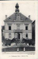 01. Trevoux. Hôtel De Ville. Pliure En Haut à Droite - Trévoux