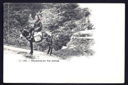 CPA PRECURSEUR- SUISSE- LAITIERE A CHEVAL DU VAL D'ILLIEZ EN 1900- GROS PLAN- FOULARD ROUGE- - VS Wallis