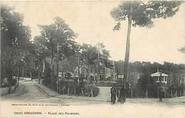 -dpts Div. -ref-AH599-  Gironde - Arcachon - Place Des Palmiers - Arriere Plan Kiosque Et Villa - Kiosques - Villas - - Arcachon