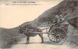 63 - Types Et Costumes D'Auvergne - Laitière Et Son Attelage Dans La Montagne - Non Classificati
