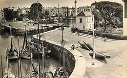 -dpts Div. -ref-AH583 - Charente Maritime - La Rochelle - Vue Generale Du Port - Phare - Phares - Passelle - Bouées - - La Rochelle