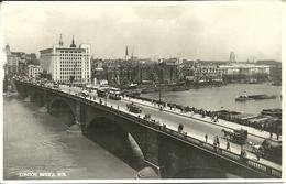 London (England) Bridge And The Tames - River Thames