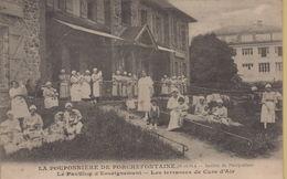 Porchefontaine : La Pouponnière De Porchefontaine - France