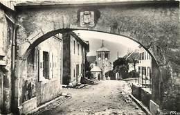 - Doubs -ref-A883- Jougne - Rue Centrale - Porte Des Anciennes Fortitfictions - Carte Bon Etat - - France