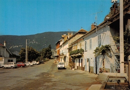 MONTMAUR - Fontaine - Automobiles - Renault 4L - Autres Communes