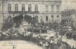 VANNES - Le Reposoir De L'Hôtel-de-Ville - Vannes