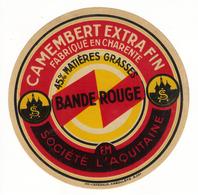 Etiquette De Fromage Camembert BANDE ROUGE Extra Fin Fabriqué En Charente Société L'Aquitaine - Quesos
