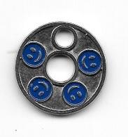 Jeton De Caddie  Troué  Avec 4 Ronds Bleu Avec Sourire - Jetons De Caddies