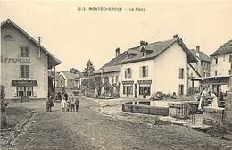 - Doubs -ref-A833- Montécheroux - La Place - Café Français Mequillet - Boucherie Charcuterie - Magasins - Laveuses - France