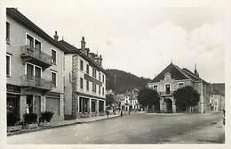- Doubs -ref-A829-  Maiche - Place Centrale - Confiseur - Metiers - Carte Bon Etat - - France