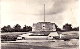 Aisne Berry Au Bac Monument Dédié Aux Mots Des Chars D Assaut 1914 1918 - Autres Communes