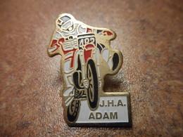 A033 -- Pin's Moto JHA Adam - Motos