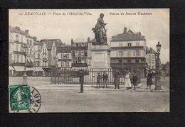 60 Beauvais / Place De L'Hôtel De Ville / Statue De Jeanne Hachette - Beauvais