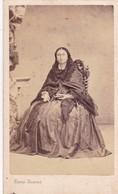 VINTAGE PHOTOS CIRCA 1880 PORTRAIT D'UNE FEMME ANTIQUE VINTAGE DRESSED VETEMENT SIZE 6x10cm - BLEUP - Photographs