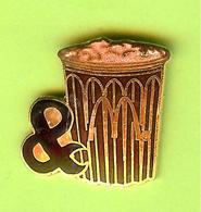 Pin's Mac Do McDonald's & Breuvage - 8S26 - McDonald's