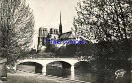 75 - Notre Dame - 1952 - Notre Dame De Paris