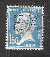 Perforé/perfin/lochung France No 181 EX Banque Nationale Française De Commerce Extérieur - France