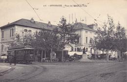 CPA 74 @ ANNEMASSE - Place De L'Hôtel De Ville - Le Tramway Et Une Roulotte - Tram - Annemasse