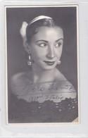 DORA IRINOS AUTOGRAPH SUR PHOTO CIRCA 1959 SIZE 8.5x13.5cm - BLEUP - Gehandtekende Foto's