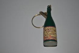 Rare Vintage Porte-clefs Années 50-60 Vin Don Josué - Porte-clefs