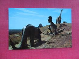 Three Giants  SD.       Dinosaur   Ref 3290 - Animals
