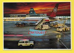 Flughafen ֎ AIRPORT ֎ AEROPORT ֎  Aérogare  De MONTEAL CANADA DC8 - Avitaillement  ֎ 1980 - Aerodromi