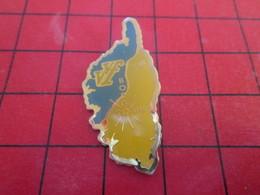 SP01 Pins Pin's  / Rare Et De Belle Qualité / THEME VILLES / CORSE VVF BORGO VILLAGE VACANCES FAMILLE - Villes