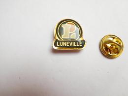 Beau Pin's , Centre Leclerc à Lunéville , Meurthe Et Moselle - Ciudades