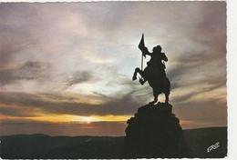 SAINT MAURICE SUR MOSELLE  -  COUCHER DE SOLEIL Sur La STATUE DE JEANNE D' ARC  -   Edition  PIERRON   N° 7212 - France