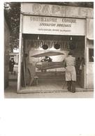 """DOISNEAU  """"""""  PHOTOGRAPHIE AERIENNE 1950 """""""" PHOTOGRAPHE SUR STAND COMIQUE - Doisneau"""