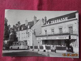 CPSM - Montargis - Le Paris-Nice - Arrêt Des Cars Phocéens - Montargis