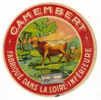 Etiquette De Fromage Petit Camembert Fabriqué Dans La Loire Inférieure - Quesos