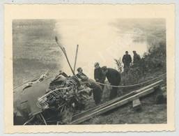 WWII . WW2 . Guerre De 1939-45 . Avion Allemand Tombé Dans L'Aisne Au Pont De Choisy-au-Bac . - Aviation