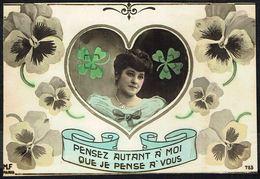 FEMME - CP - Jeune Femme Dans Un Coeur Avec Trèfles à 4 Feuilles - Non Circulé - Not Circulated - Nicht Gelaufen. - Femmes