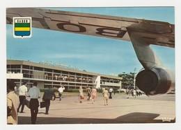 Gabon Libreville N°5905 Aéroport International Léon MBA Sous Une Aile D'avion Réacteur En 1973 VOIR Timbre Papillon - Gabon