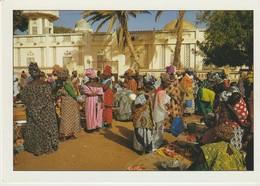 C.P. - PHOTO - COULEURS DU SÉNÉGAL - SAINT LOUIS - AU MARCHE - 1139 - M. HUET - HOA QUI - Sénégal