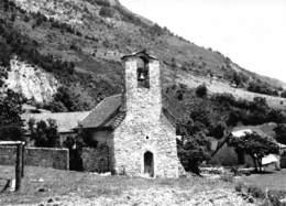 VAUNIERES Par Saint Julien En Beauchêne - Village Des Jeunes - Eglise - Autres Communes