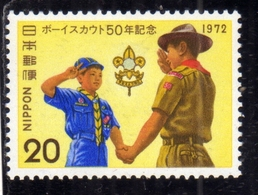 JAPAN NIPPON GIAPPONE JAPON 1972 BOY SCOUTS Shaking Hand Of Cub Scout 20y MNH - 1926-89 Imperatore Hirohito (Periodo Showa)