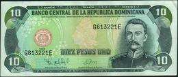 DOMINICAN REPUBLIC - 10 Pesos Oro 1998 XF P.153 - Dominicana