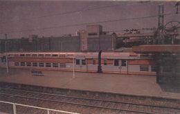 Saint-Quentin-en-Yvelines : Ville Nouvelle - La Gare Et Le Train Urbain Express - St. Quentin En Yvelines