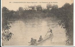 AN 79   / C P A    AFRIQUE-  GABON - FRANCEVILLE  HAUT OGOOUE  LE PASSEUR DE LA PASSA - Gabon