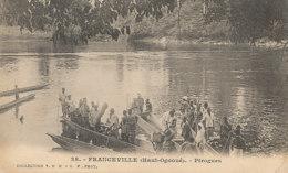AN 80   / C P A    AFRIQUE-  GABON - FRANCEVILLE  HAUT OGOOUE   PIROGUES - Gabon