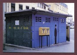 """LYON  : """" VESPASIENNE : Place De La Croix-Rousse """" - Lyon"""