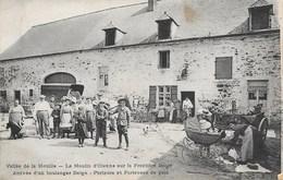 Felenne NA2: Vallée De La Houille. Le Moulin D'Olenne... Arrivée D'un Boulanger Belge. Porteurs Et Porteuses De Pain - Beauraing