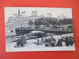 Cpa PARIS Le Pont D' Arcole Et L' Hotel De Ville - Animée & Bateau Mouche - Arrondissement: 01